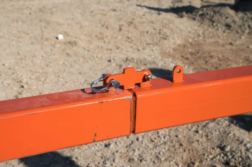Dragon Screed's vibrating concrete screed bar is adjustable in length. The screed bar can be configured to pour small projects like sidewalks or large projects like parking lots and driveways.